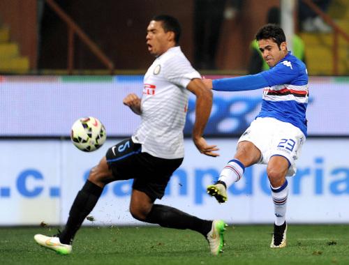 Eder in maglia Sampdoria in un precedente fra le due squadre (Infophoto)
