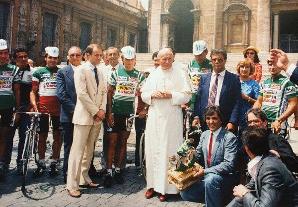 Squadra Amore & Vita con Giovanni Paolo II