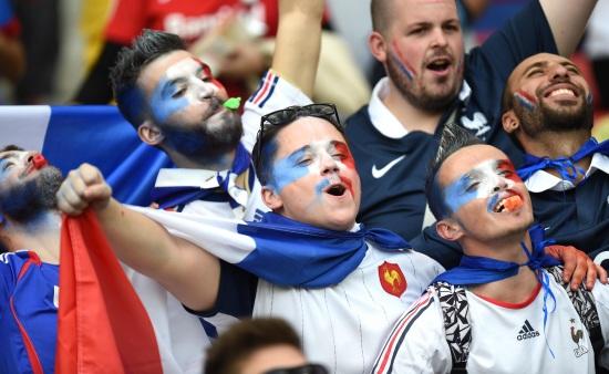 I tifosi della Francia aspettano un'altra vittoria (Infophoto)