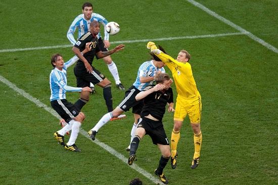 Germania-Argentina: un'immagine della partita dei quarti di finale 2010 (Infophoto)