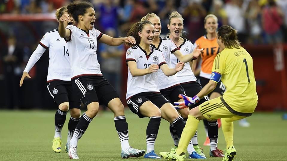 La gioia della Germania dopo i rigori contro la Francia (da facebook.com/fifawomensworldcup)