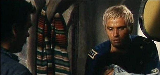 Giuliano Gemma in una scena di un suo film