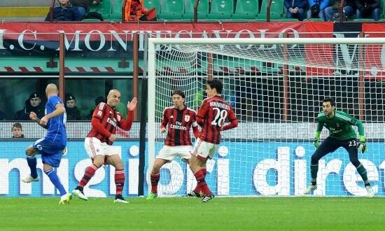 Il gol di Zaza in Milan-Sassuolo dell'anno scorso (Infophoto)