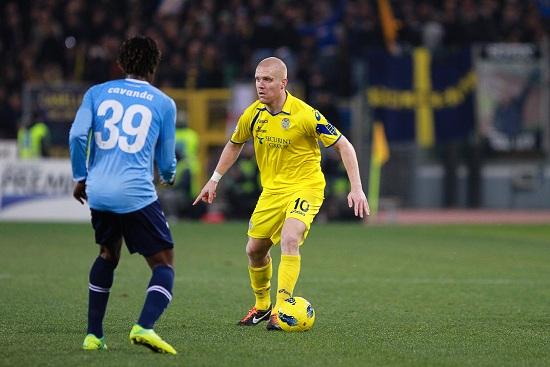 Emil Halfredsson, centrocampista del Verona (Infophoto)