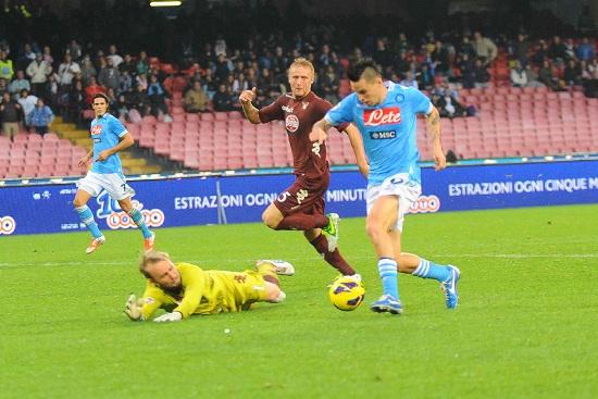 Il Dnipro, lo scorso anno, contro il Napoli (infophoto)