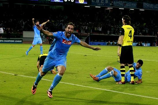 Gonzalo Higuain nella partita d'andata (Infophoto)