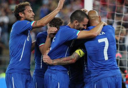 L'Italia esulta per la vittoria contro l'Olanda