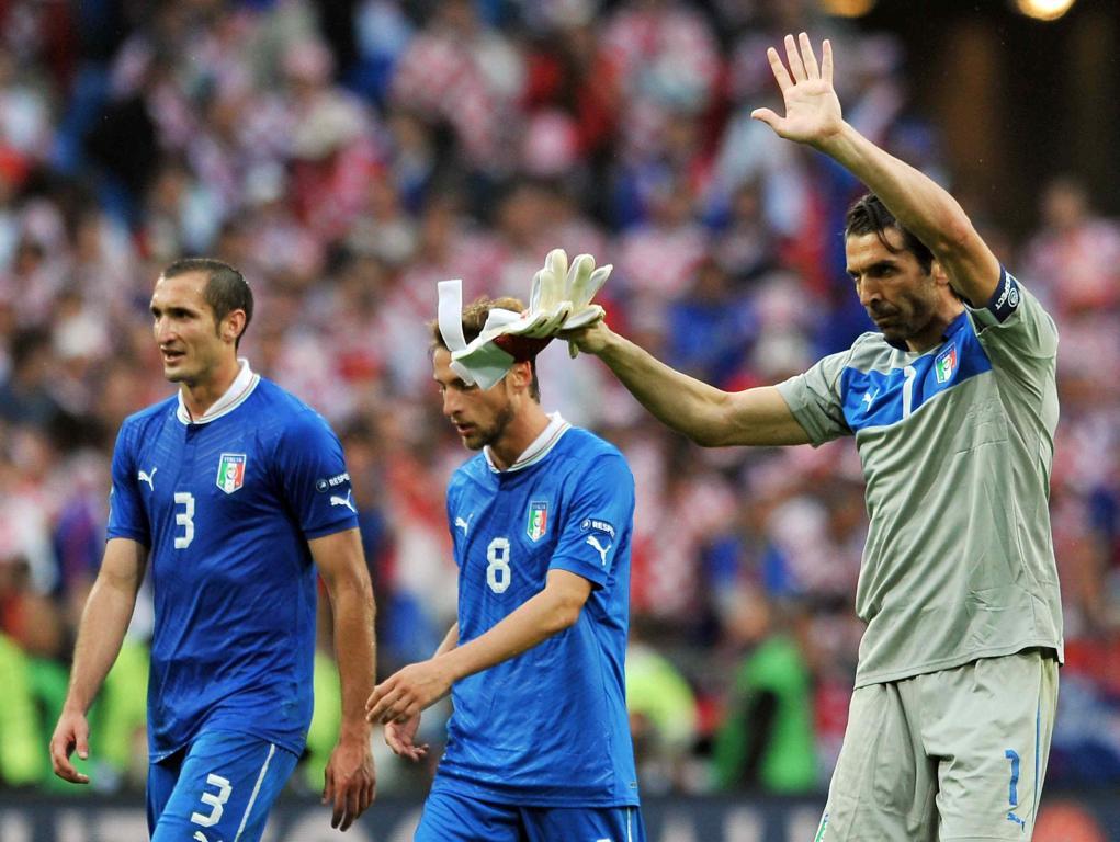 Chiellini, Marchisio e Buffon dopo la gara contro la Croazia (Infophoto)