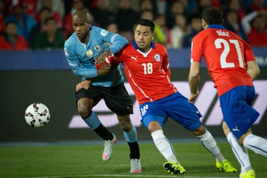 Gonzalo Jara, 29 anni, difensore della nazionale cilena (Infophoto)