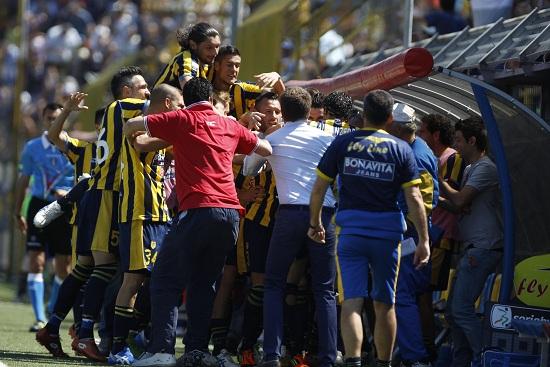 La Juve Stabia festeggia un gol (Infophoto)