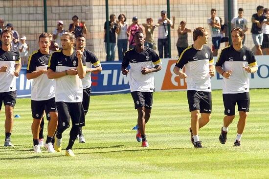 La Juventus al lavoro nel ritiro di Chatillon (Infophoto)