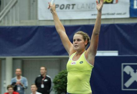 Karin Knapp esulta per la vittoria contro la Lisicki (dall'account ufficiale facebook.com/WTA.Linz)