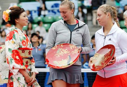 Petra Kvitova e Angelique Kerber a Tokyo: la ceca è in semifinale (Infophoto)