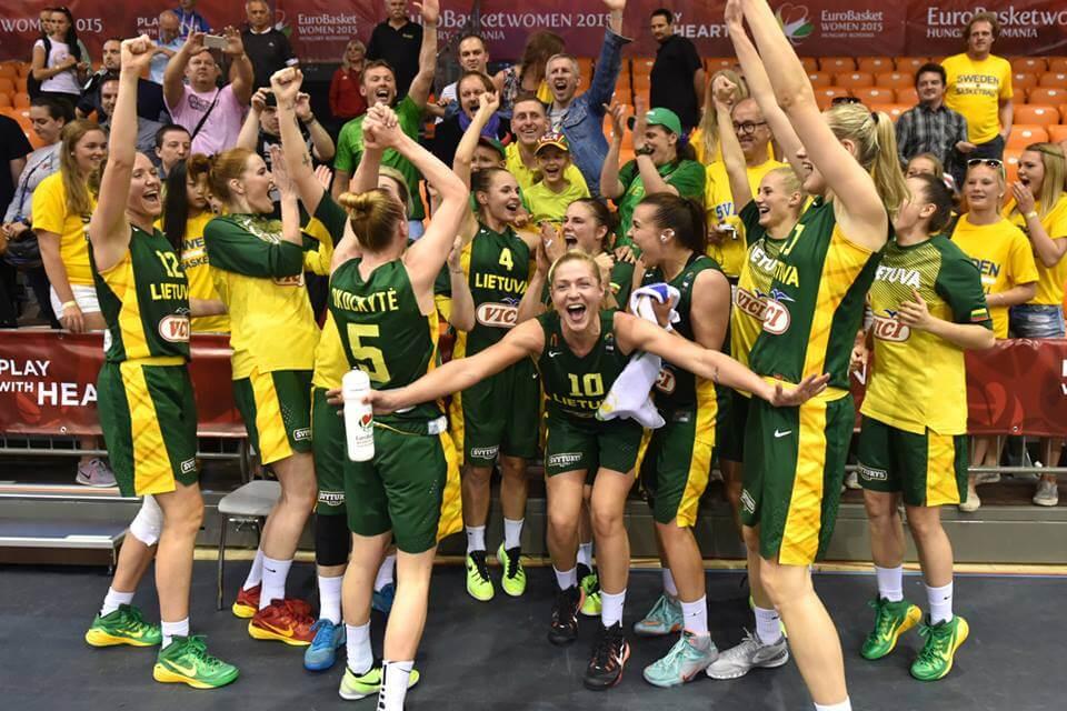 La Lituania esulta: è ai quarti di finale (da facebook.com/FIBA)