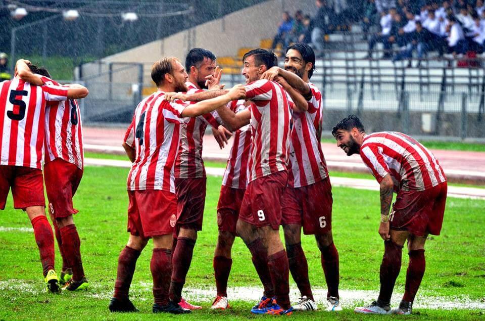 La Maceratese esulta per la vittoria contro il Savona (dall'account ufficiale facebook.com/ssmaceratese1922)