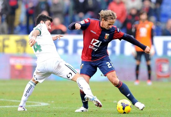 Manfredini con la maglia del Genoa (Fonte Infophoto)