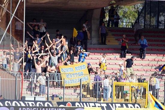 Tifosi del Parma in trasferta (Infophoto)
