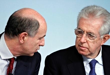 Corrado Passera e Mario Monti (Infophoto)