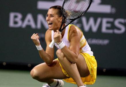 Flavia Pennetta esulta: ha appena vinto la sua semifinale a Indian Wells