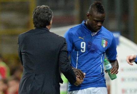 Cesare Prandelli e Mario Balotelli aspettano i Mondiali