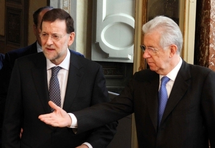 Mariano Rajoy e Mario Monti (Infophoto)