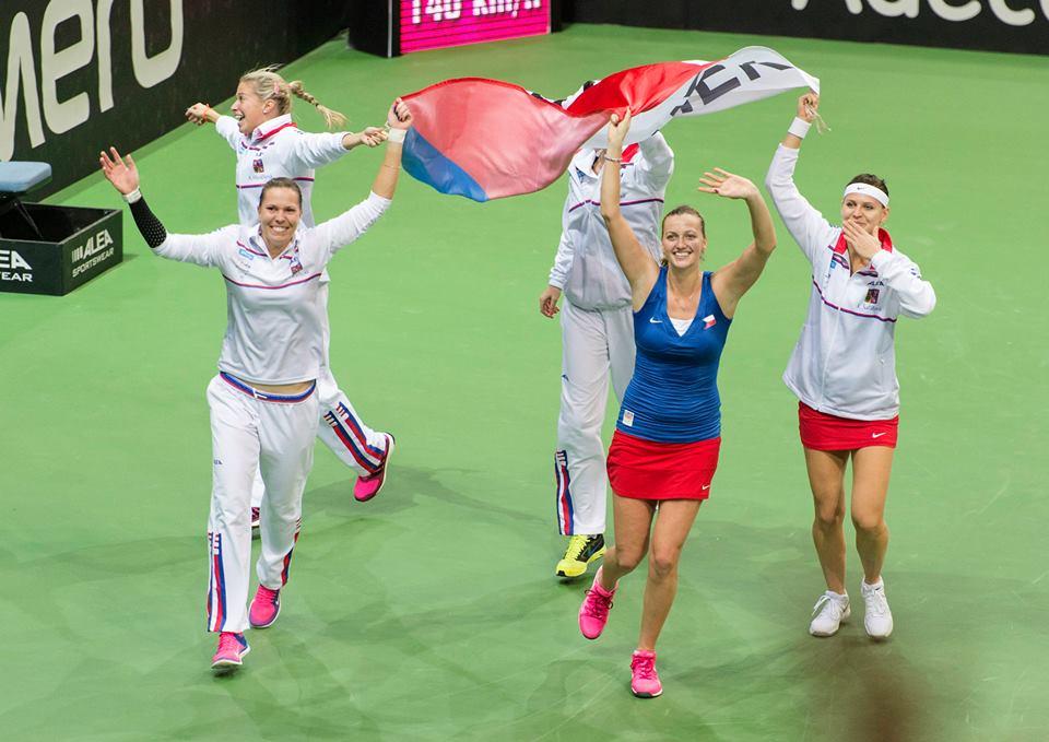 La Repubblica Ceca festeggia il titolo 2015 (dall'account ufficiale facebook.com/FedCup)