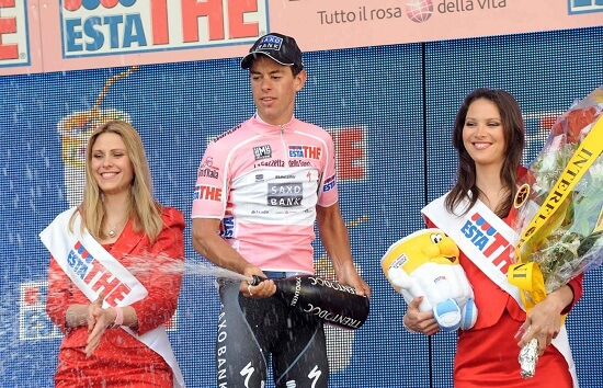 Richie Porte con la maglia rosa al Giro d'Italia (Infophoto)