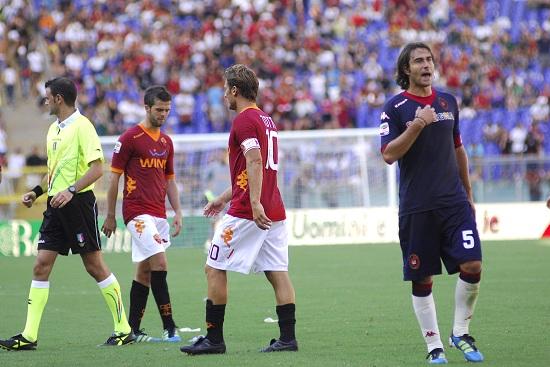 Un'immagine di Roma-Cagliari dello scorso campionato (Infophoto)