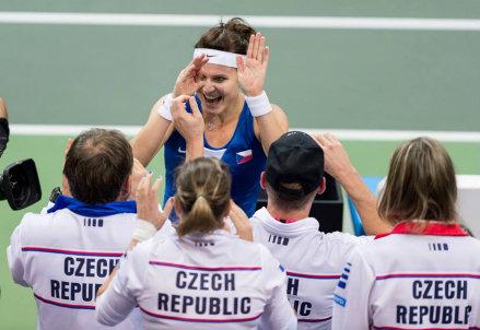 Lucie Safarova, 27 anni, esulta per la vittoria contro Angelique Kerber
