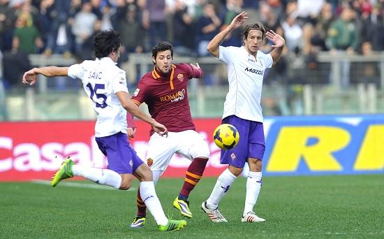 Mattia Destro contro la Fiorentina: l'anno scorso è stato decisivo (Infophoto)