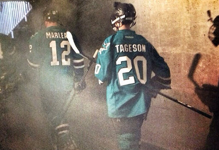 Sam Tageson entra in campo (dal profilo Instagram ufficiale dei San José Sharks)