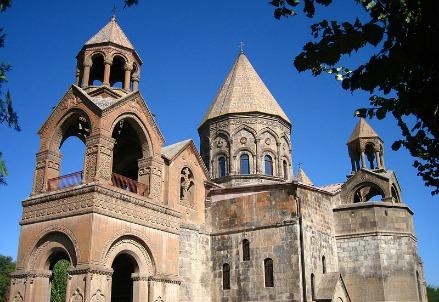 Un monastero in Armenia (Infophoto)
