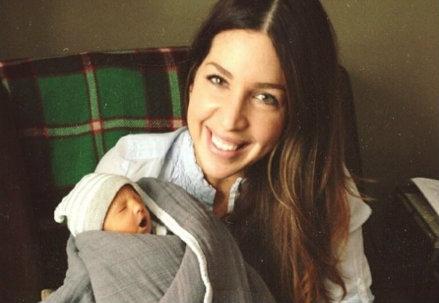 Baby Zion con la mamma, foto da Instagram