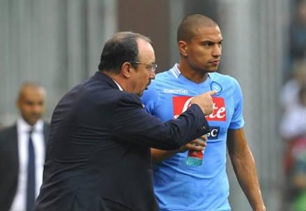 Rafa Benitez con Gokhan Inler (Infophoto)