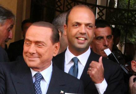 Silvio Berlusconi con Angelino Alfano (Infophoto)