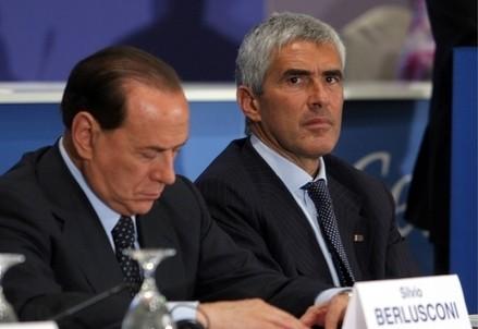 Silvio Berlusconi e Pierferdinando Casini (Foto: Infophoto)
