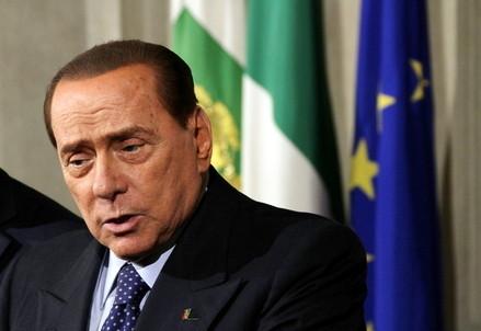Silvio Berlusconi durante le ultime consultazioni al Quirinale (Infophoto)