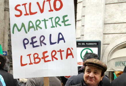 In piazza per Silvio Berlusconi (Infophoto)