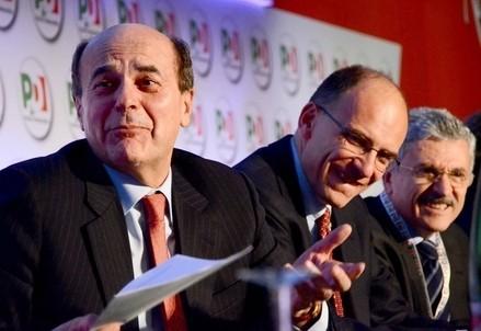 Pierluigi Bersani con Enrico Letta (Infophoto)