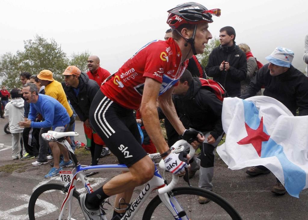 Bradley Wiggins è la maglia gialla del Tour (Infophoto)