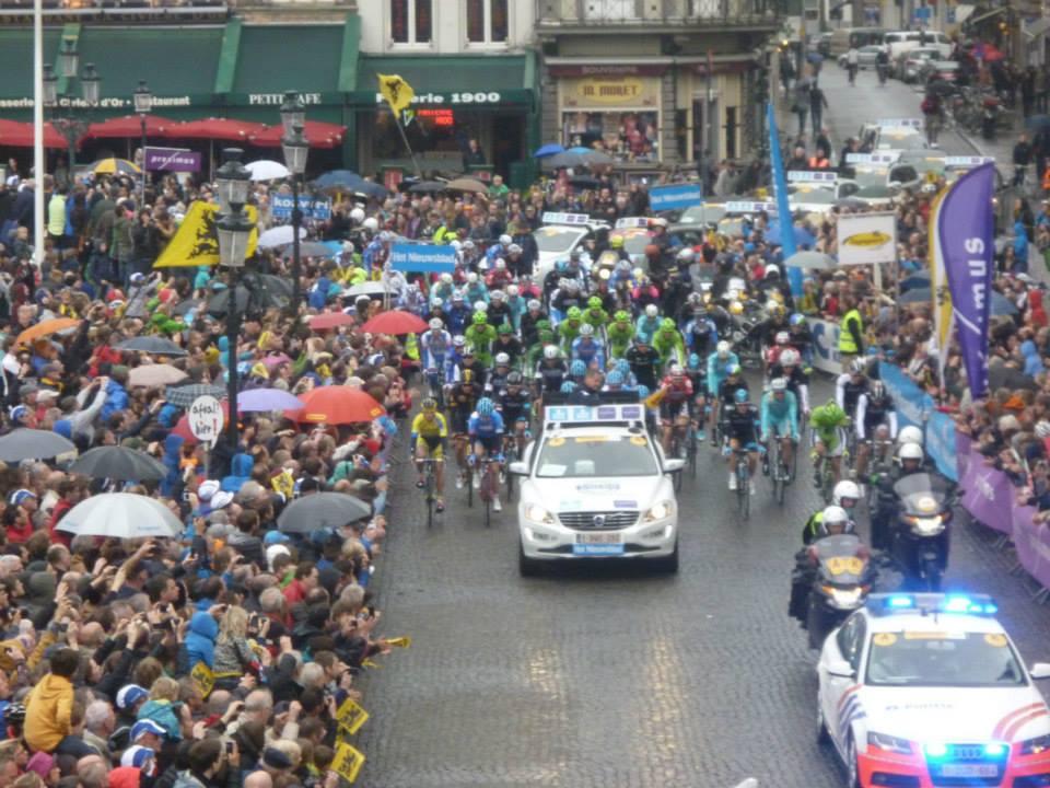La partenza dell'edizione 2014 da Bruges (da Facebook Ronde Van Vlaanderen)