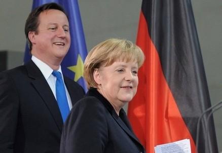 David Cameron e Angela Merkel (Infophoto)