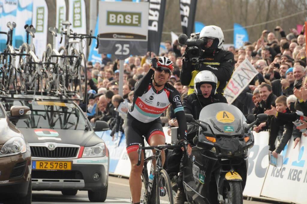 Fabian Cancellara in un suo vittorioso  Giro delle Fiandre