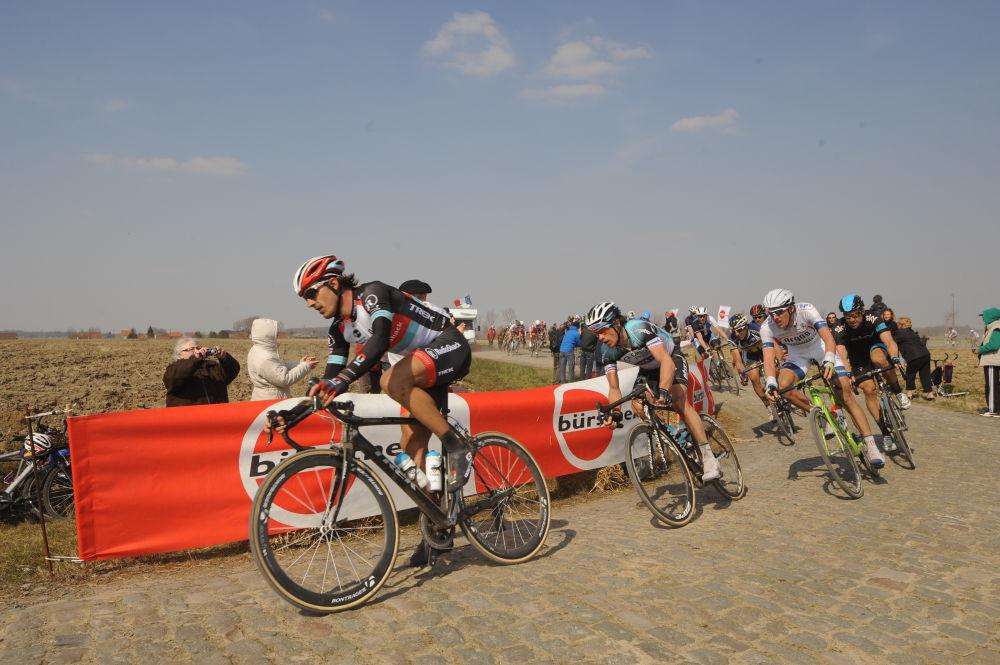 In azione sul pavé della Roubaix