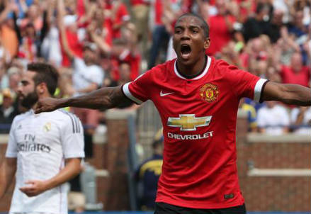 Ashley Young, 29 anni, inglese (dall'account Twitter ufficiale @ManUtd)