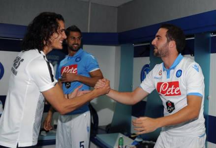 Edinson Cavani, 27 anni e Gonzalo Higuain, 26 (dall'account Twitter ufficiale @sscnapoli)