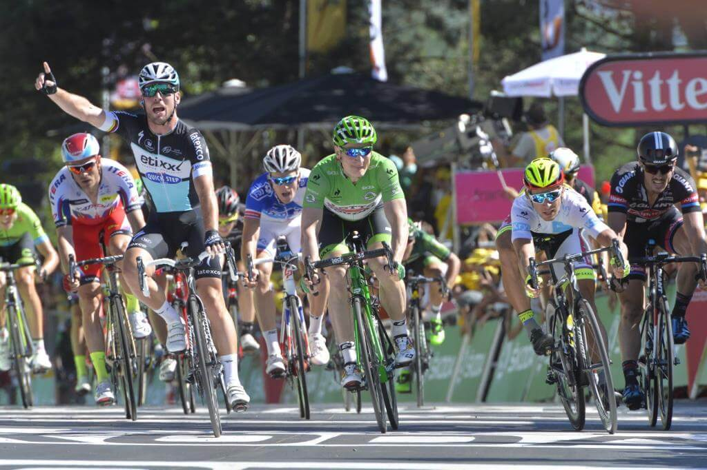 Mark Cavendish vince ieri a Fougeres (da Facebook Le Tour de France)