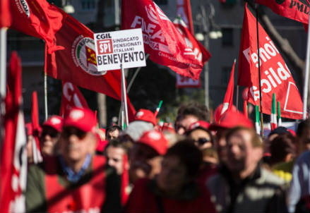Manifestazioni per la festa del 1 maggio (Infophoto)