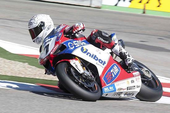 Carlos Checa in azione (Infophoto)