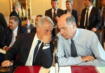 Corrado Clini e Corrado Passera (Infophoto)
